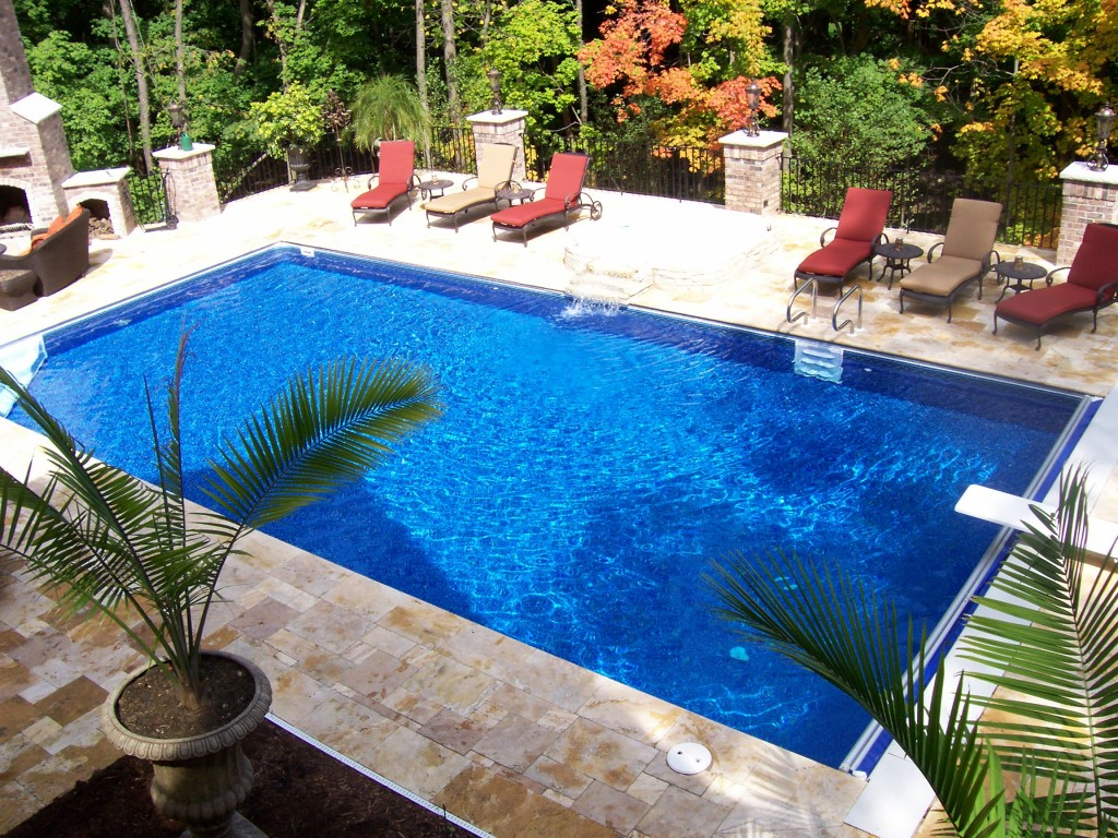 Rectangle pool designs that will give you awesome swimming for Pool design 2015