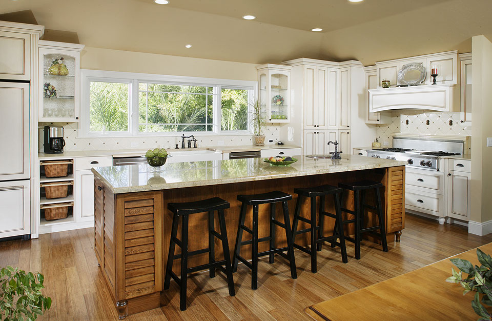 Bamboo Flooring Style Adds Effortless Dramatic Scent In The Kitchen - Are bamboo floors good for kitchens