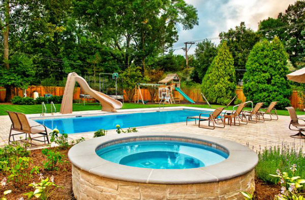 The best backyard pools that you must see homesfeed for Back garden swimming pool