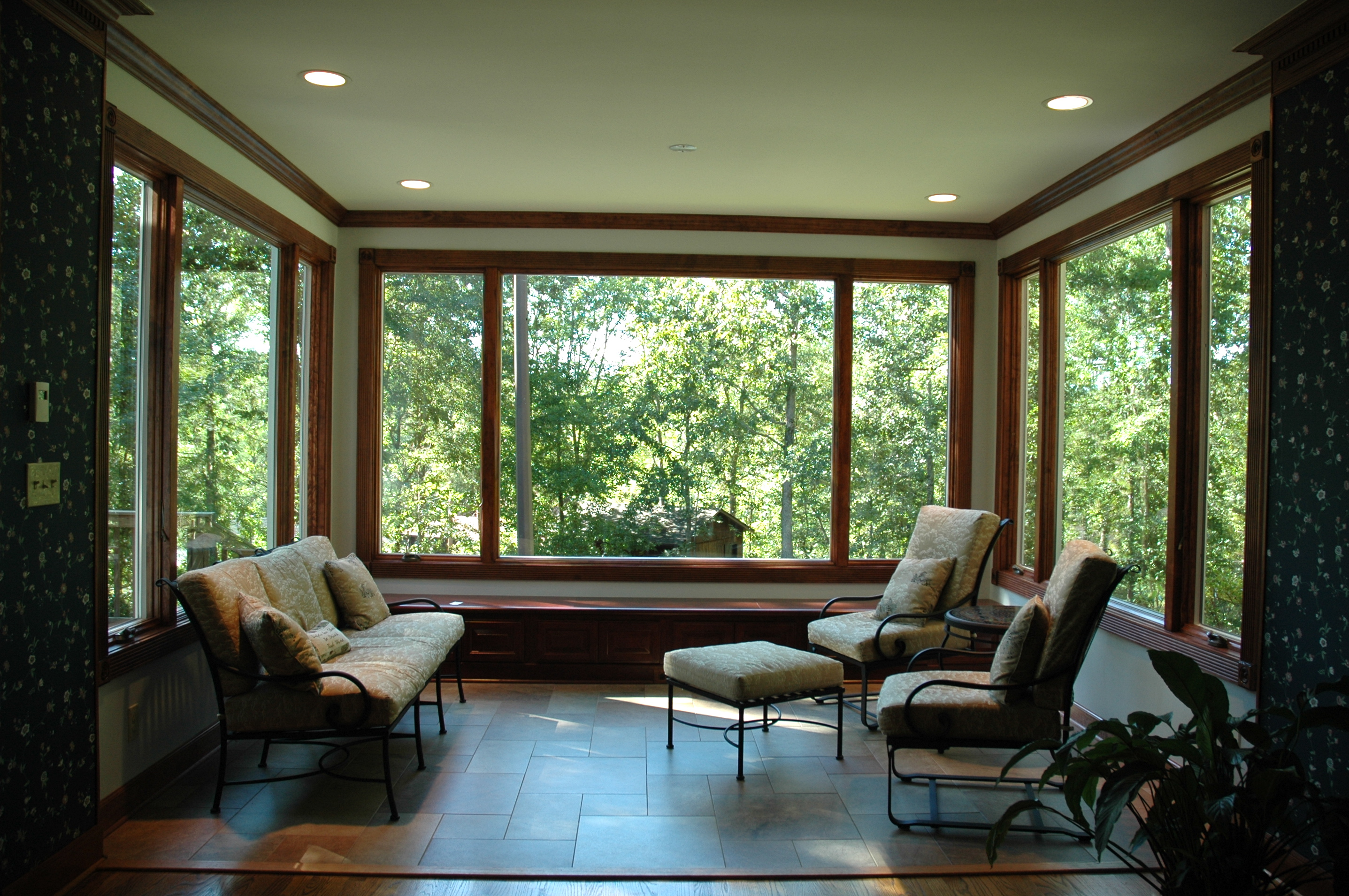 Best energy efficient windows to save electricity energy for Sun room