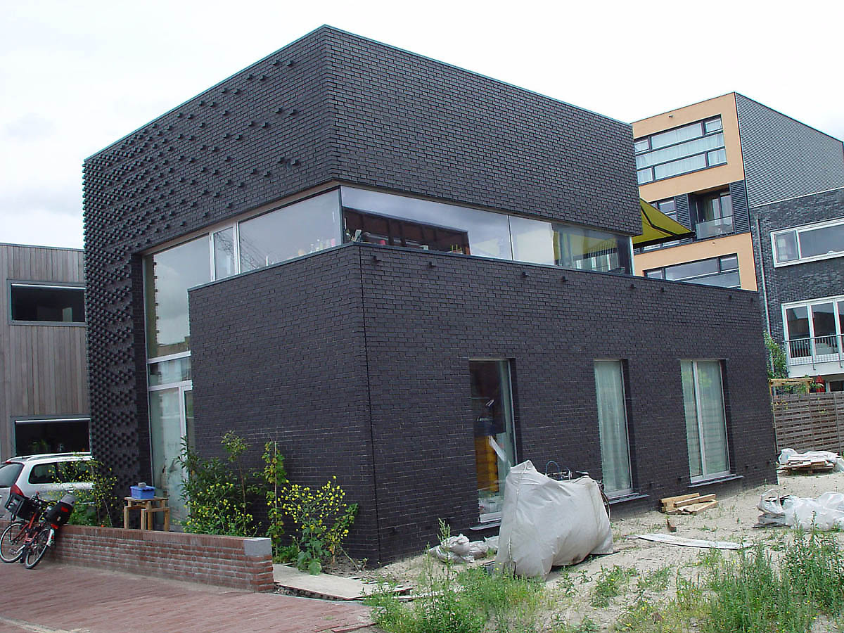 Black and white brick wall for artistic and astonishing Black brick homes