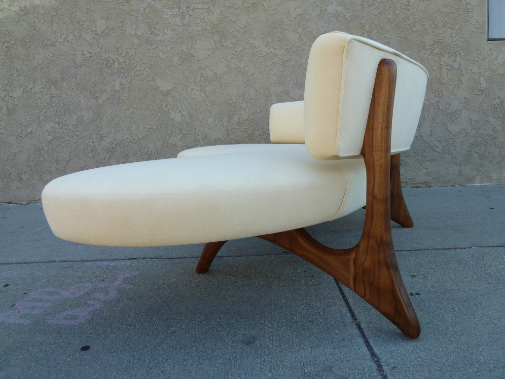 Mid century modern furniture reproductions - Cool And Stylish Chair In White Cool Modern Mid Century