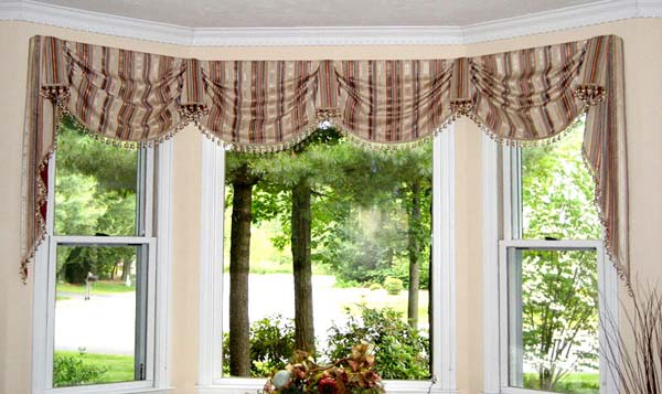 Stunning concept of drapes for bay window homesfeed Elegant window treatment ideas