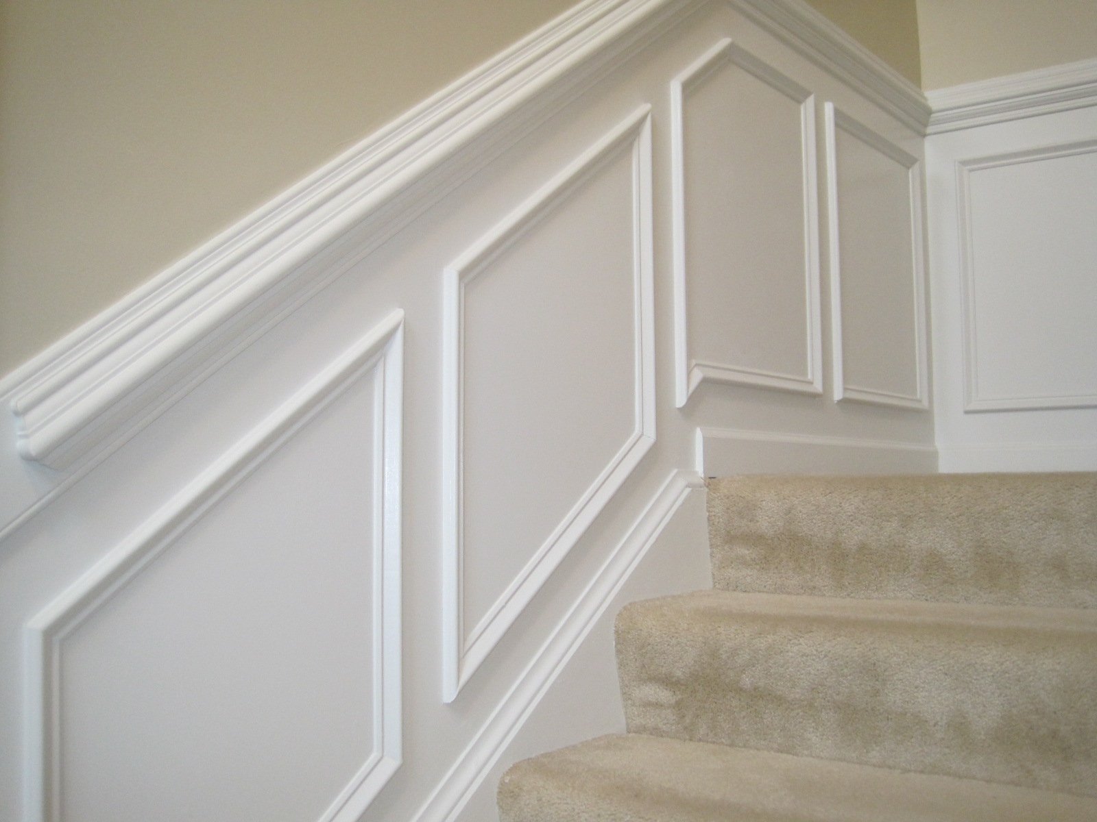 Chair Rail Examples Part - 21: Double Chair Rail Molds For Staircase In White