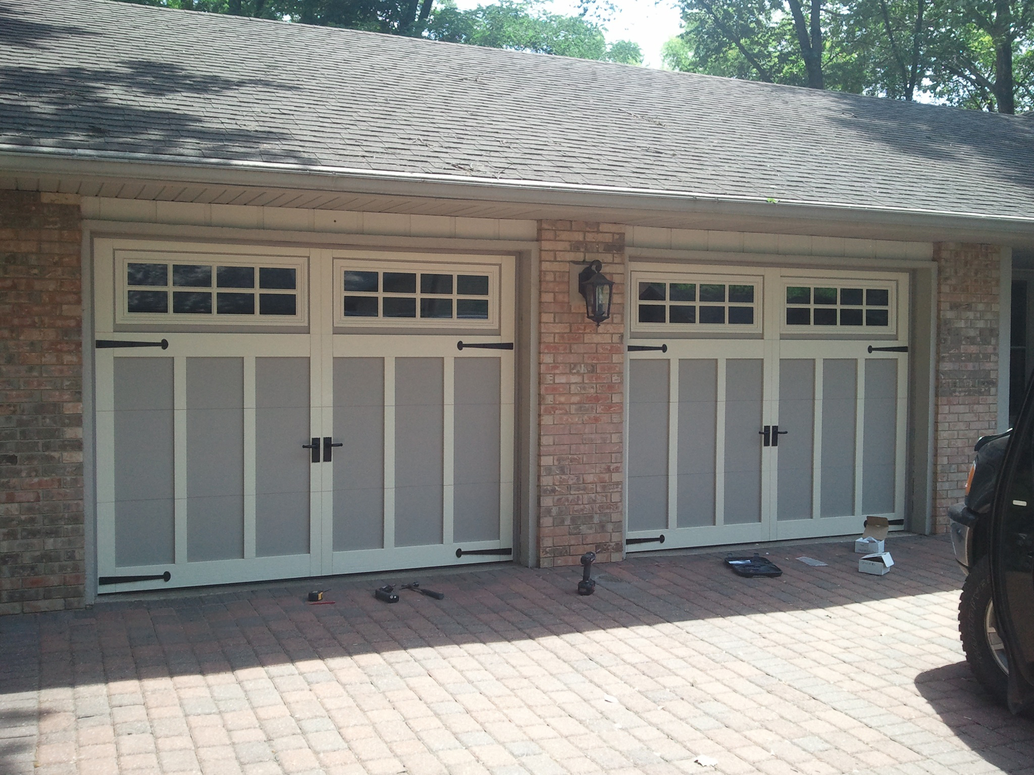 Costco garage door designs that present you gorgeous for Gorgeous garage