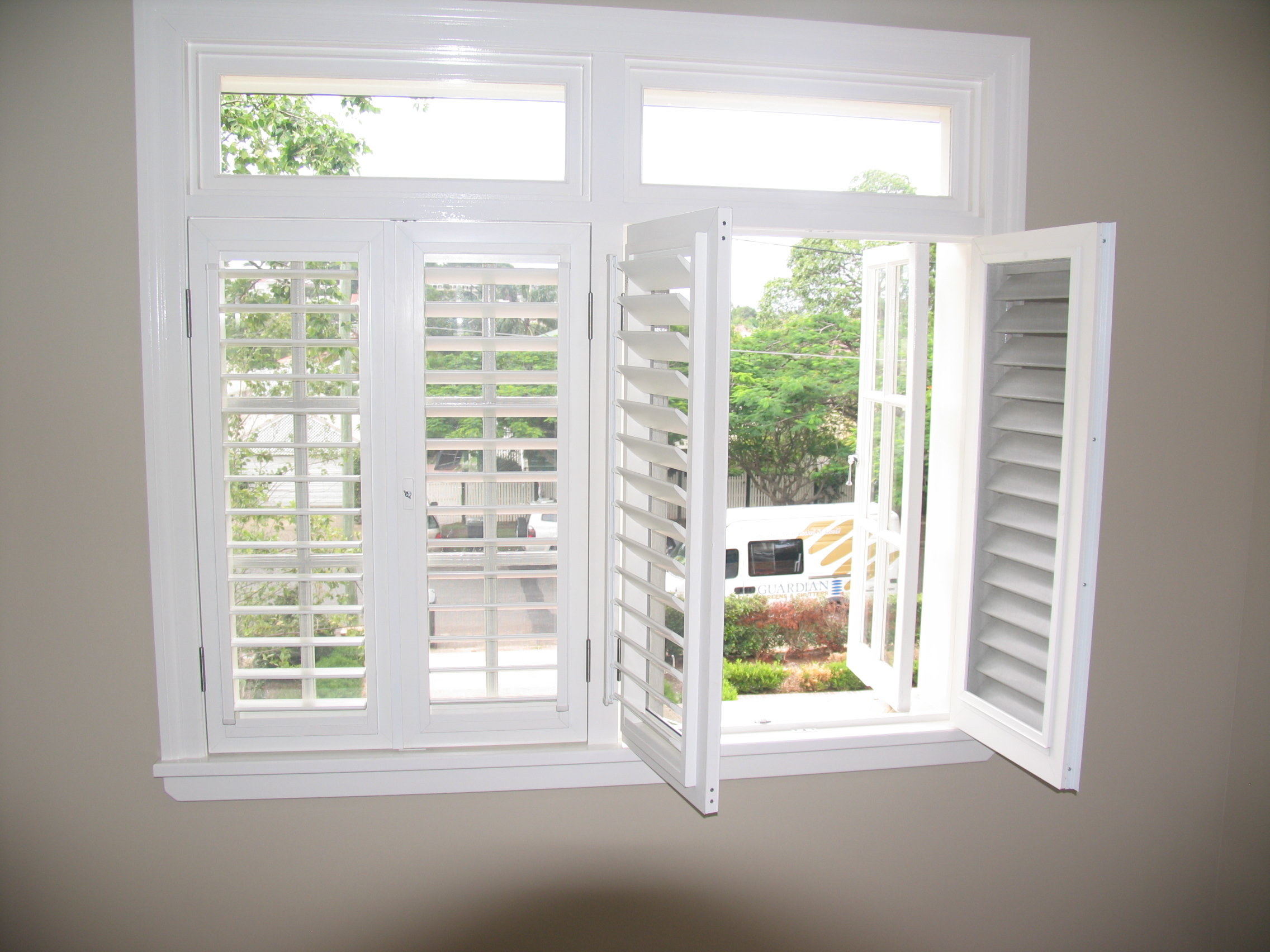 The guide how to calculate the plantation shutters cost for Interior window shutter designs