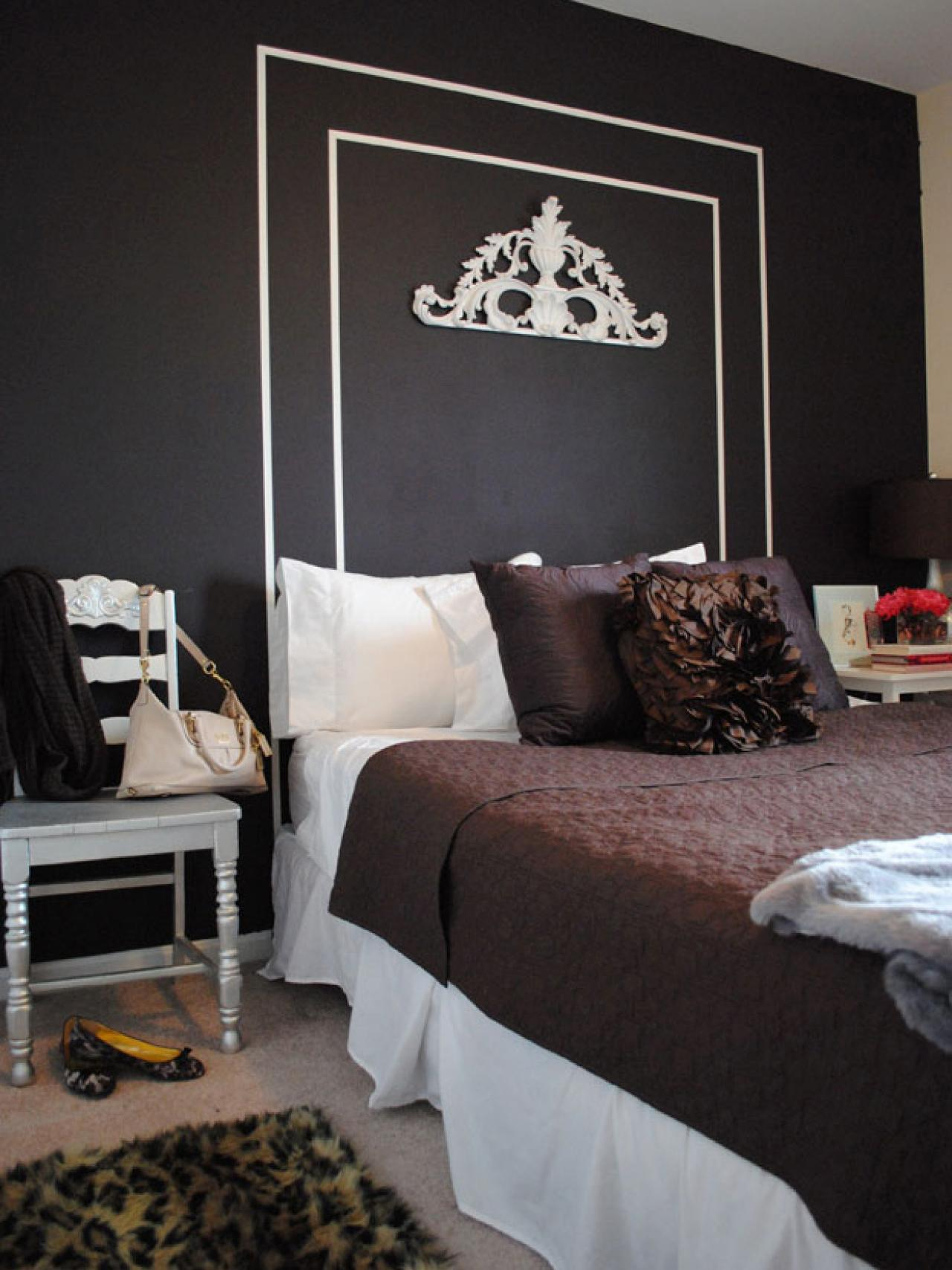 Large Chalkboard Headboard Design With