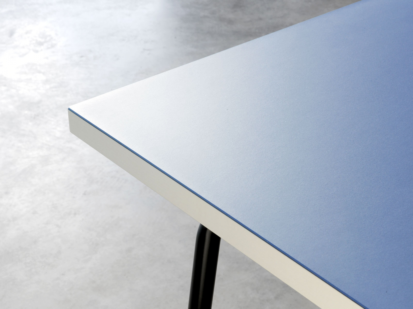 Stylish desk table tops for modern and interesting home for Table in material design