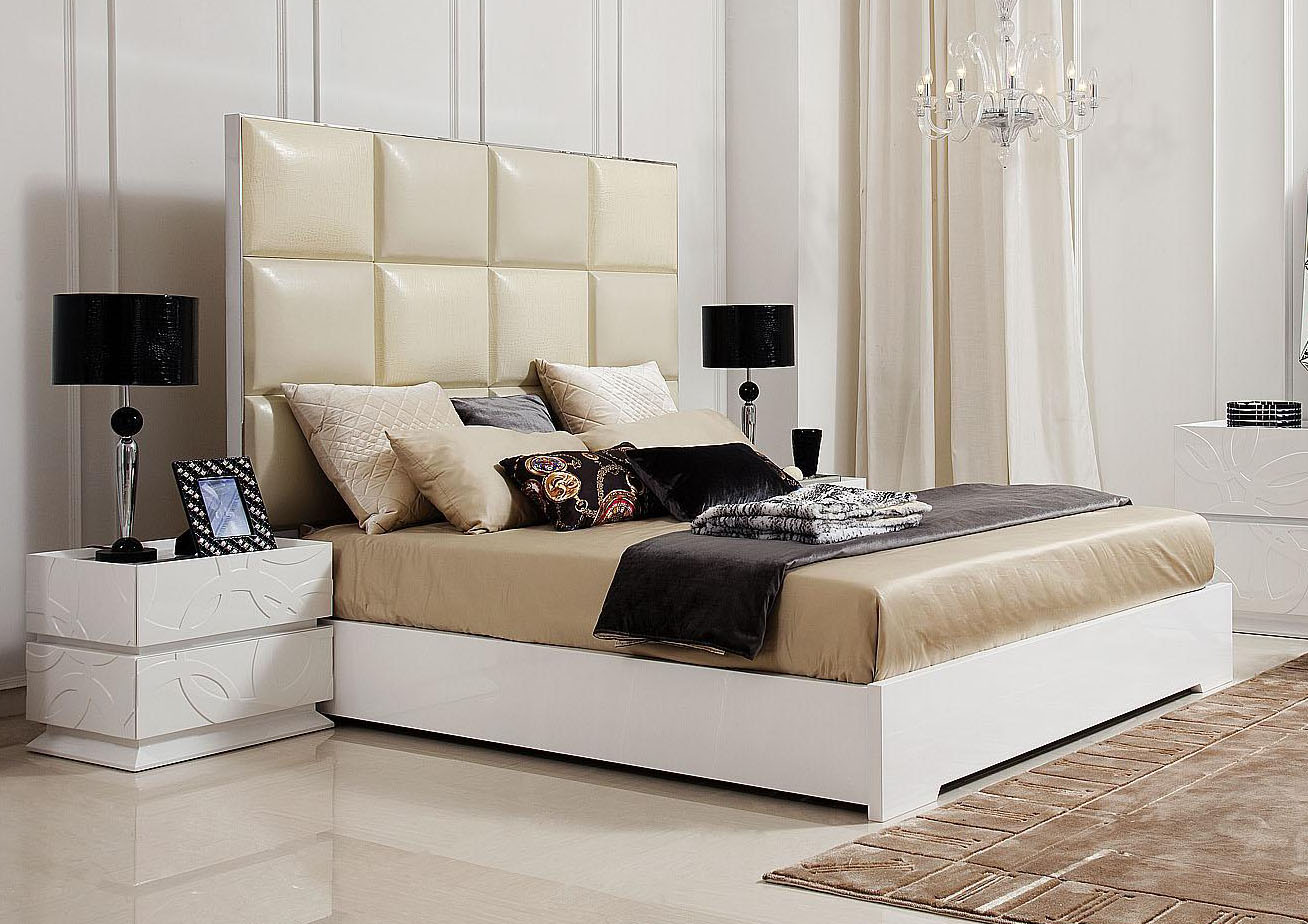 Luxurious Bedding Design With Cream