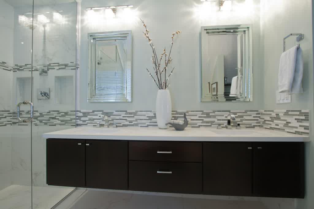 Curved bathroom units - Transform Your Ordinary Bathroom To A Luxury Bathroom With