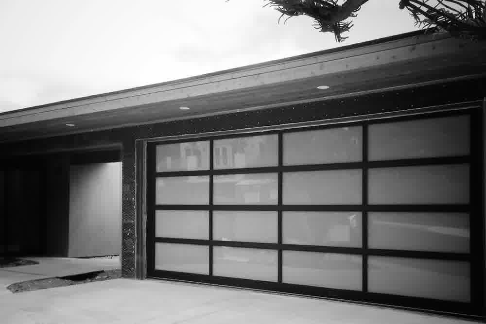 impressive mid century modern garage doors the perfect. Black Bedroom Furniture Sets. Home Design Ideas