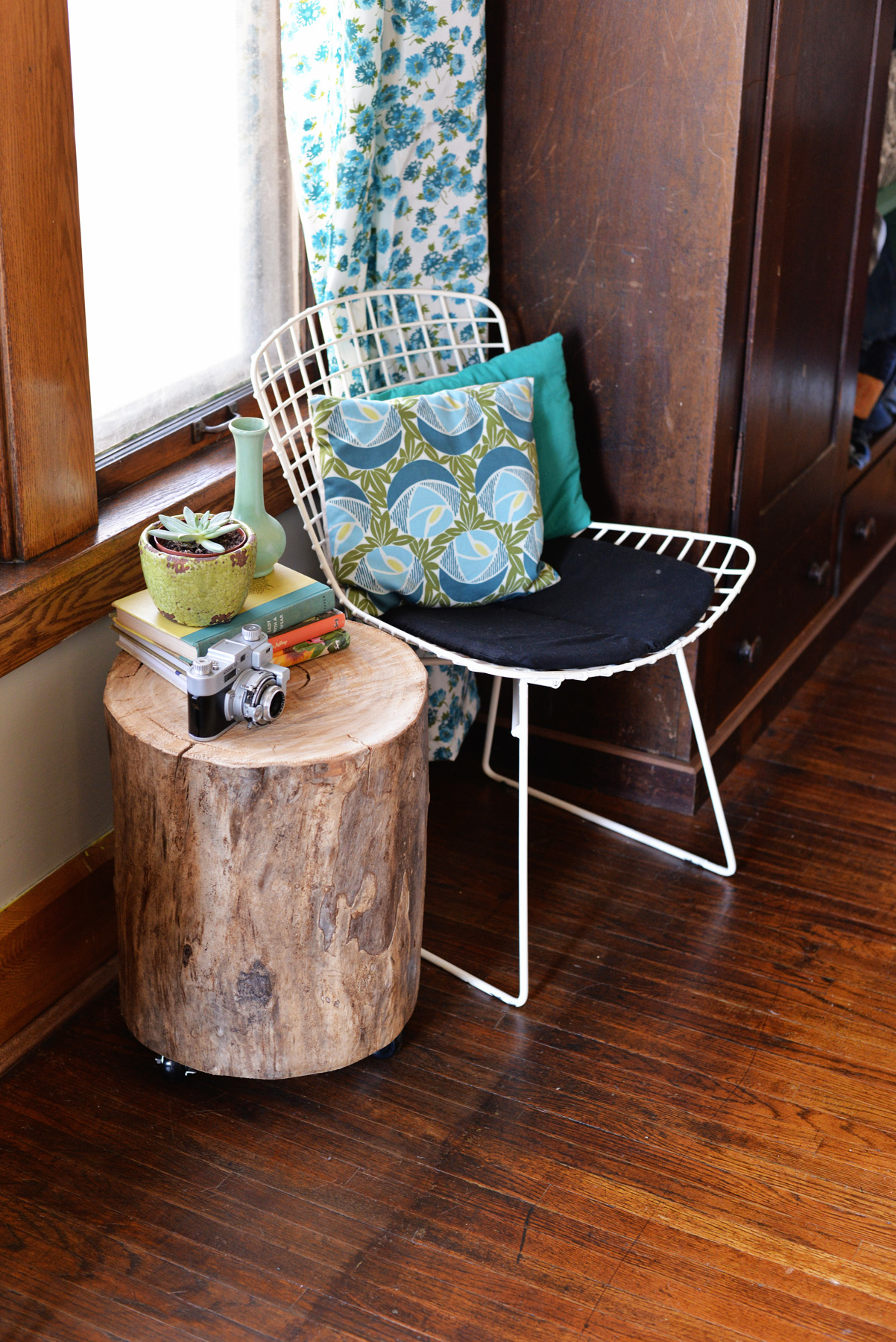 How to Make a Handmade Natural Tree Stump Side Table