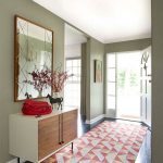 nice-modern-plastic-made-coolest-entryway-geometric-rug-with-red-decoration-and-white-coloring-with-small-room-with-nice-design