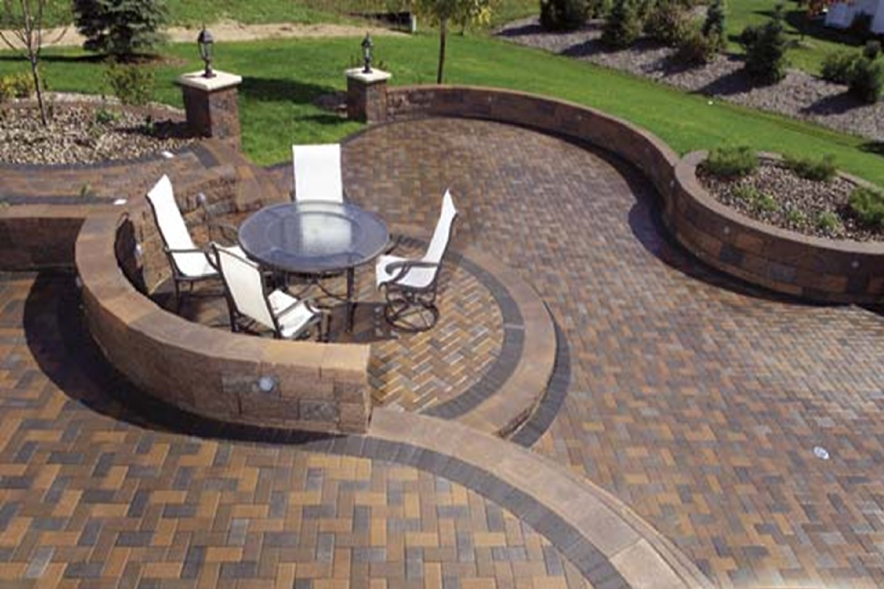 Build contended and stunning patio and pathways with best brick paver patterns homesfeed - Paver designs for backyard ...