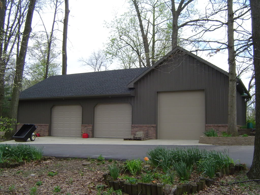 Pole barn house designs the escape from popular modern for Barn style garages
