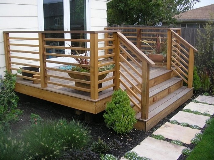Horizontal deck railing the advantages and disadvantages for Exterior deck design