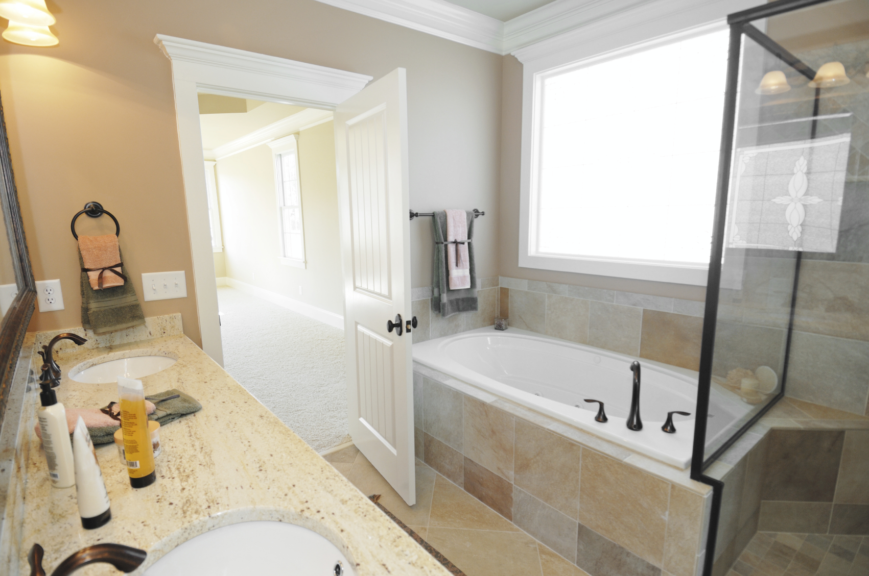 Amazing Bathroom Remodeling on A Wise Budget | HomesFeed
