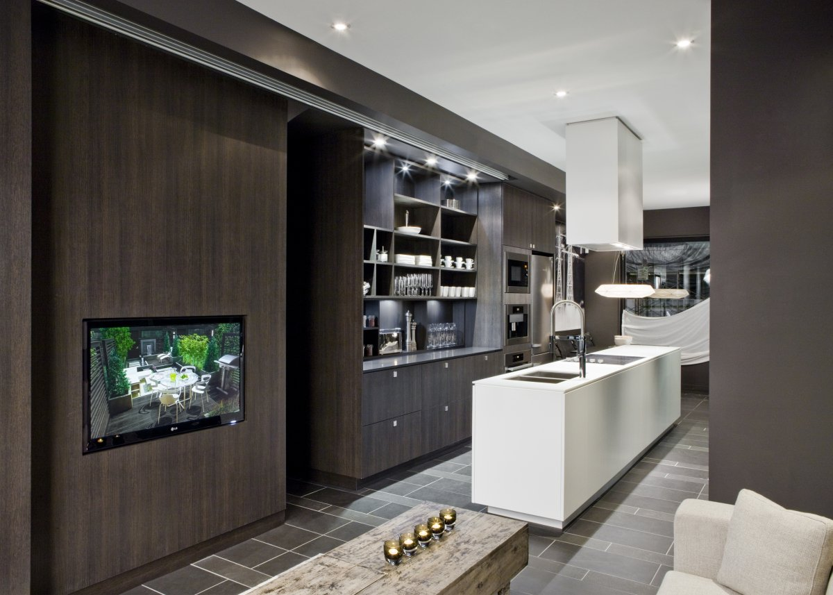 Smart Home Ideas In Kitchen With Sensor And Display Shelves And Living Room  With Monitors And