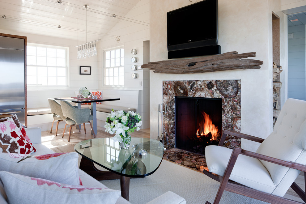 Driftwood Mantle Steals Rustic Appeal From The Past And Wraps It With Modernity Homesfeed