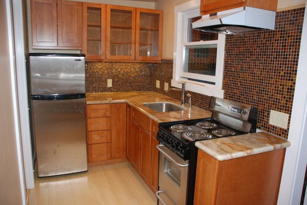 Affordable Tiny Kitchen Remodeling With Dazzling