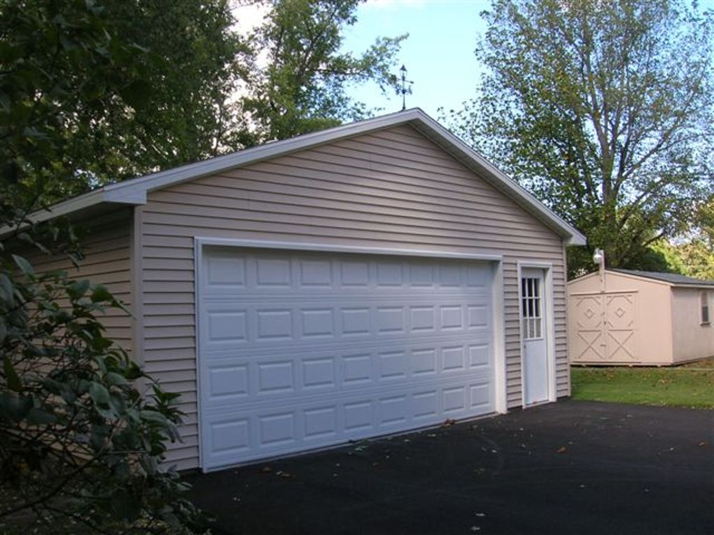 Awesome two car garage doors that will inspire you homesfeed for Car garage