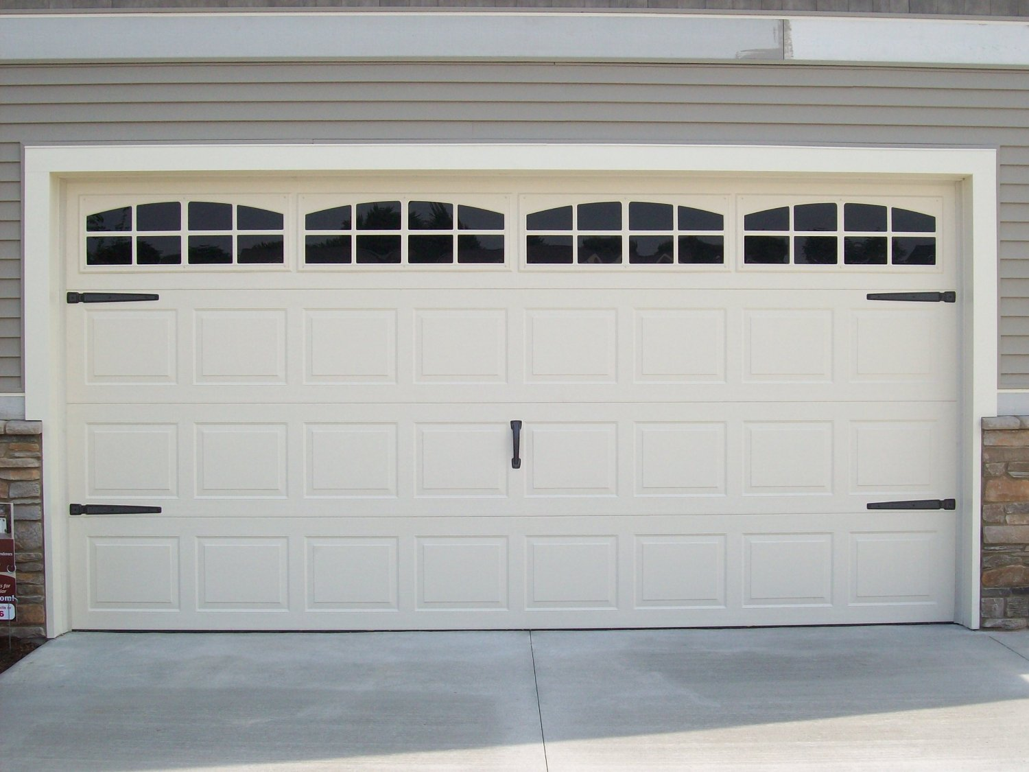 Awesome two car garage doors that will inspire you homesfeed for Best wood for garage doors