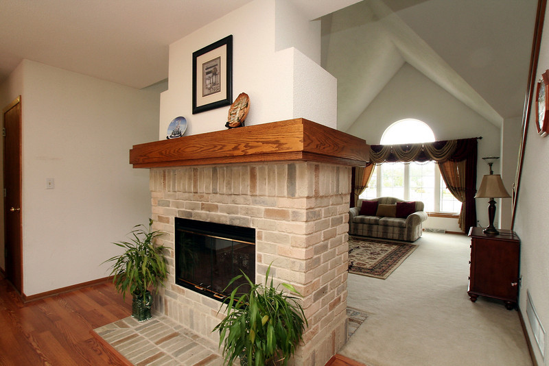 Two way fireplace the benefits homesfeed for 2 way fireplace