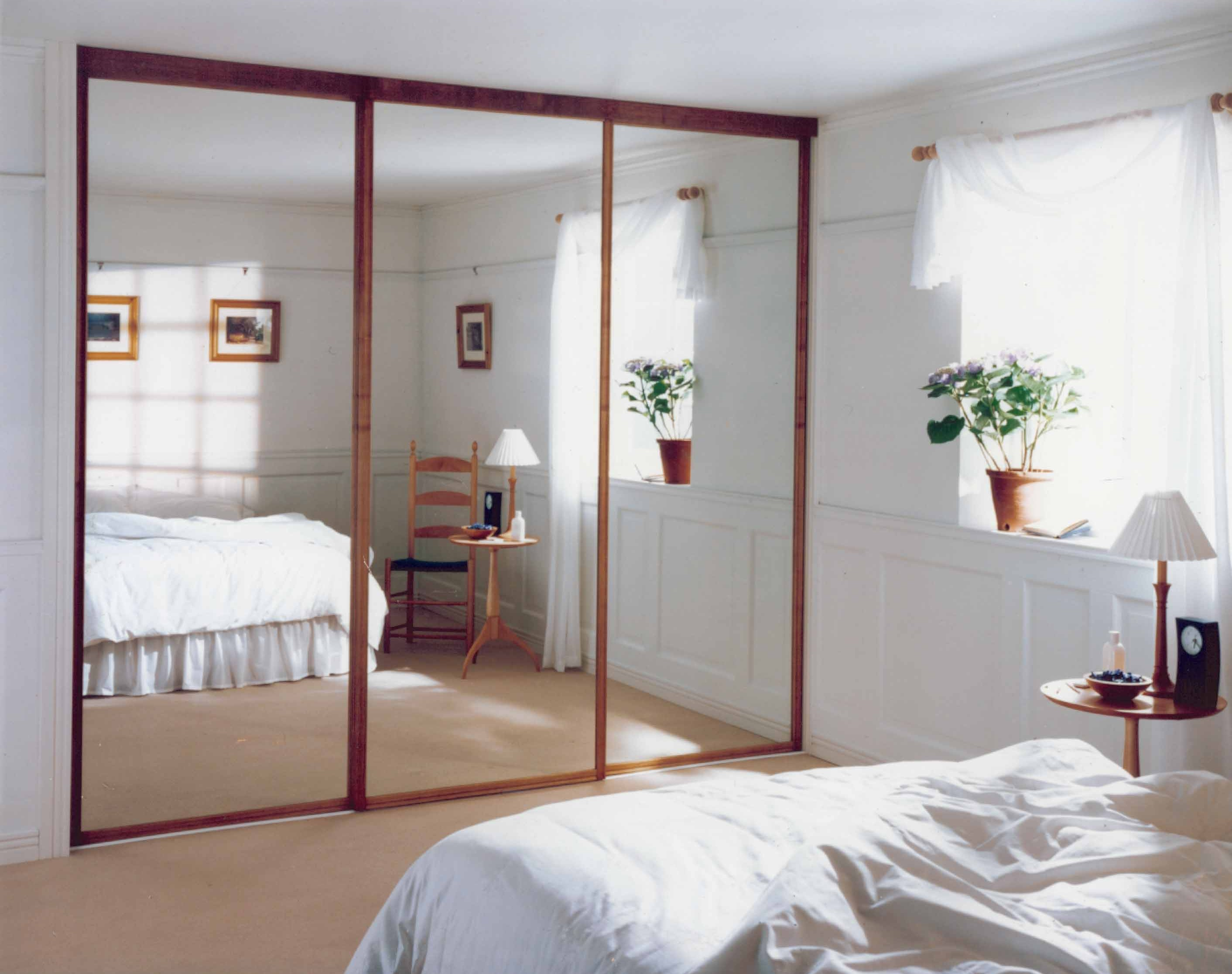 Mirror Facing Bedroom Door Feng Shui Mirror Facing Dining Table Bring In Reflective Light By Placing