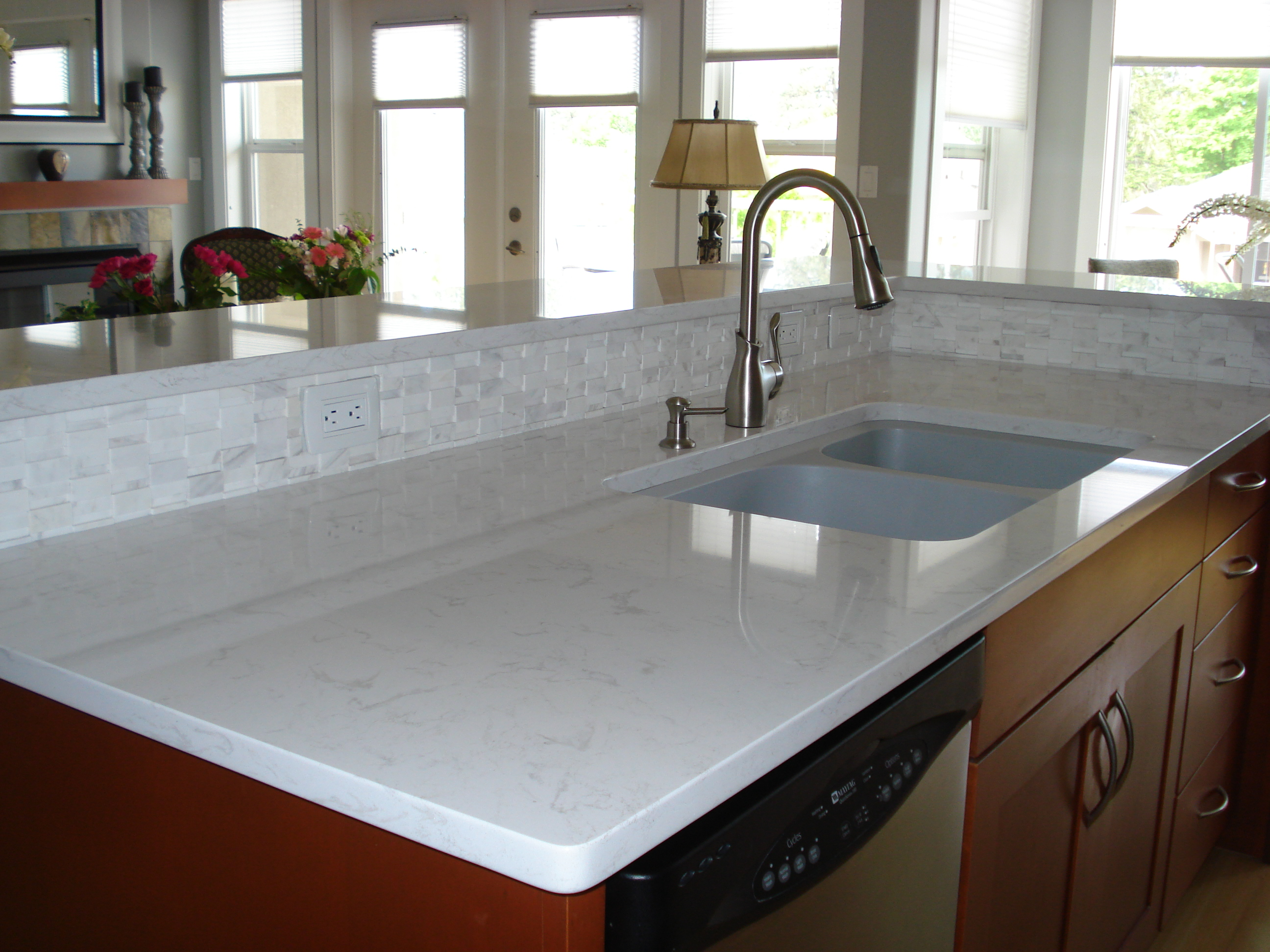 Inexpensive kitchen countertop to consider homesfeed for Porcelain countertops cost