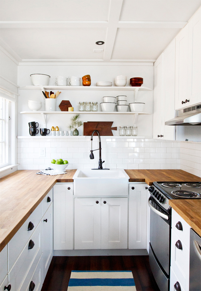 Merveilleux White Tiny Kitchen Remodel With Wooden Kichen Cabinets And Countertops Plus  Stoves And Sink Combined With