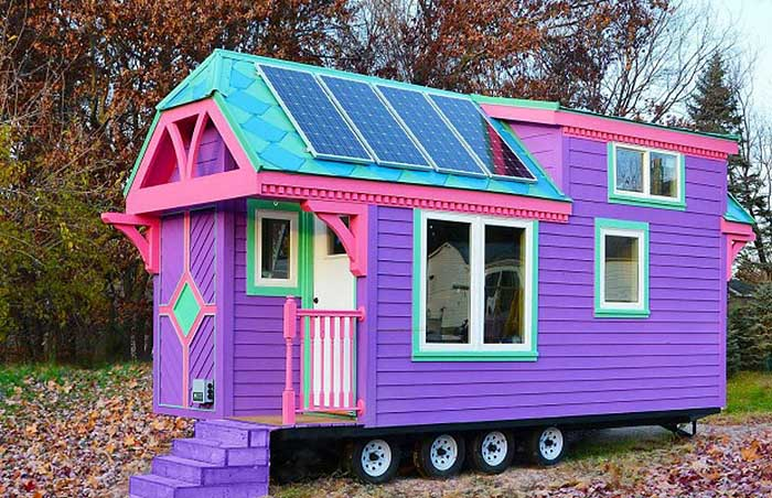 charming solar powered home designs. Movable and colorful cabin with some pieces o f solar panels on roof Off the Grid Home Designs  HomesFeed