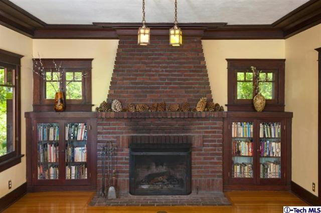 Creative craftsman fireplace design homesfeed for Craftsman fireplace pictures