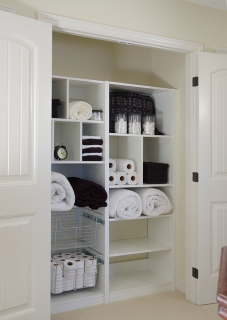 Merveilleux Adorable White Linen Closet Organizer Design With Various Small And Big  Slots With Rolled Towels And