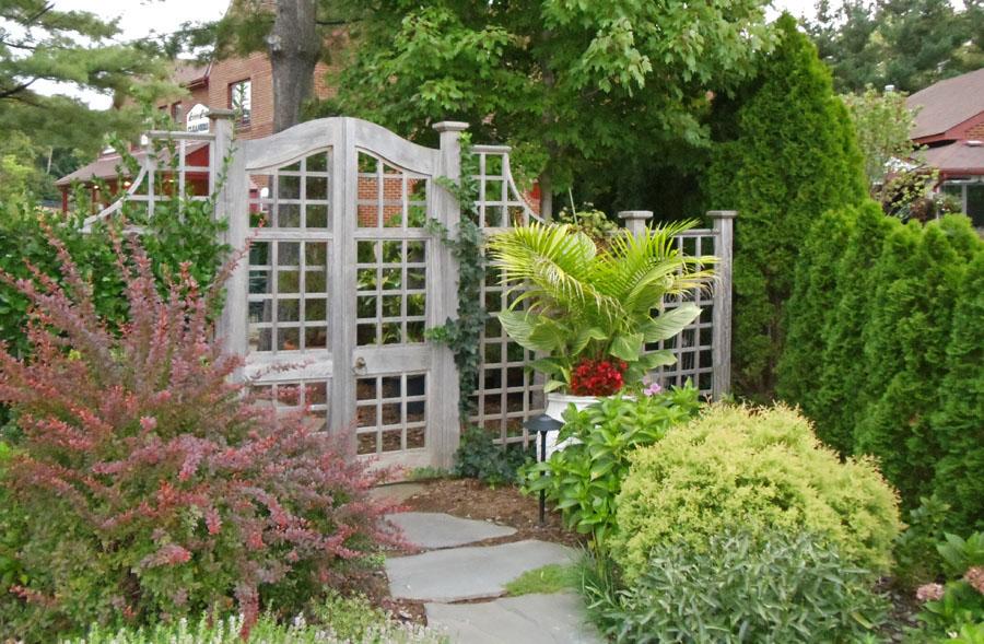 Outlook Garden Apartments