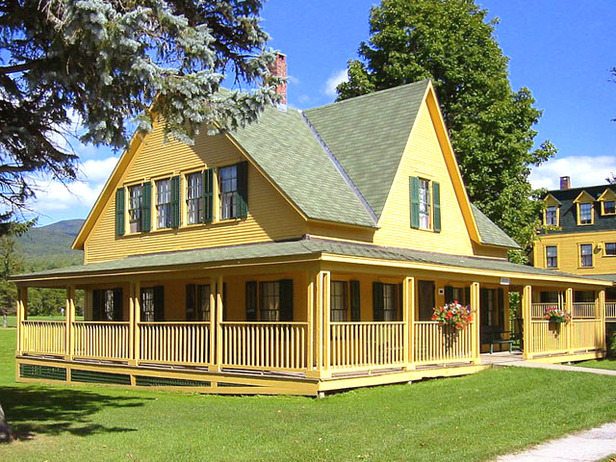 Country home design with wraparound porch homesfeed for House plans with wrap around porch and pool