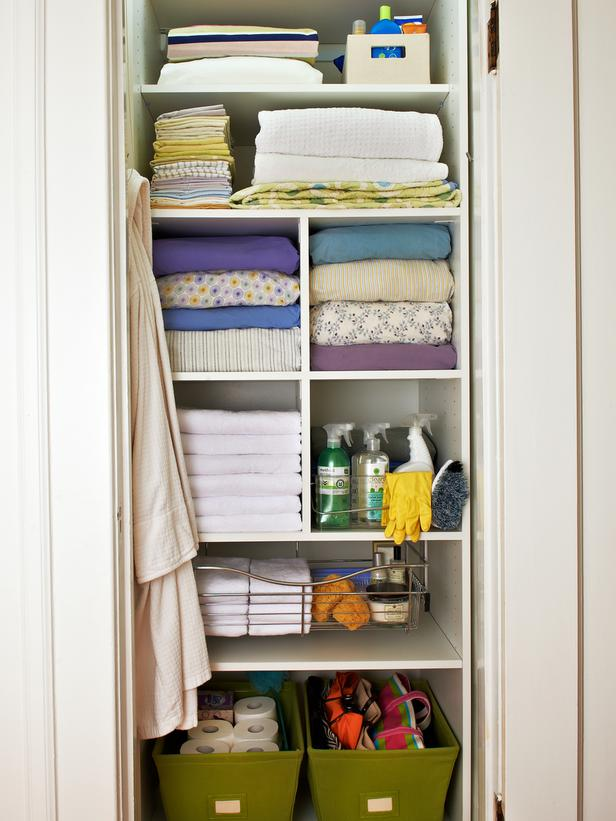 Awesome Linen Closet Organizers | HomesFeed