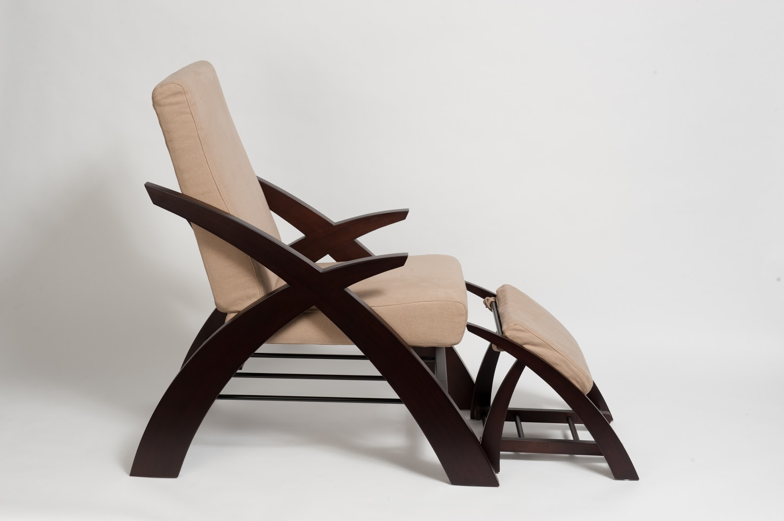 The most comfortable reading chair that perks up your for Chair new design