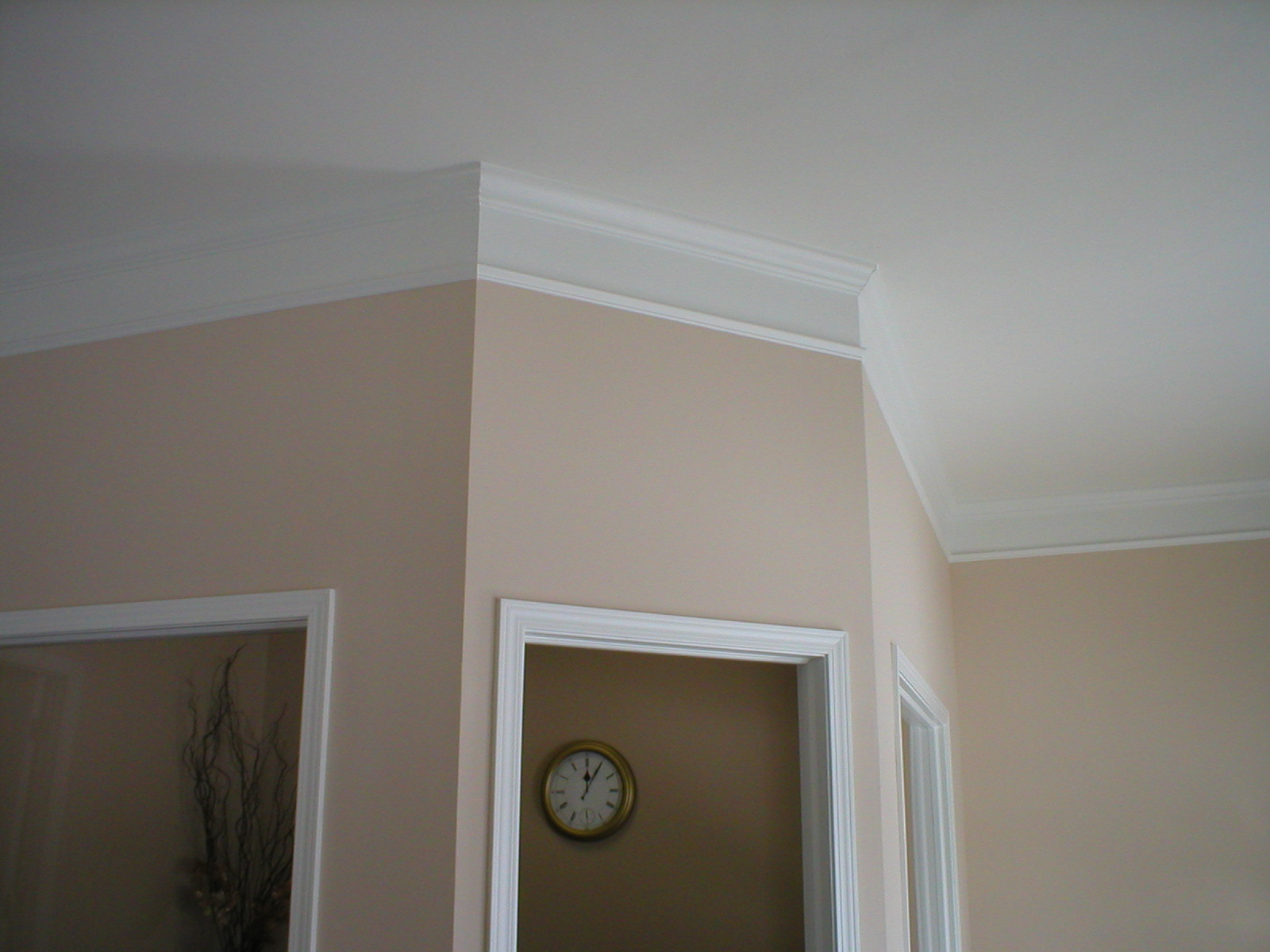 Flat Crown Molding Adds Audacious Luxury For Every Corner