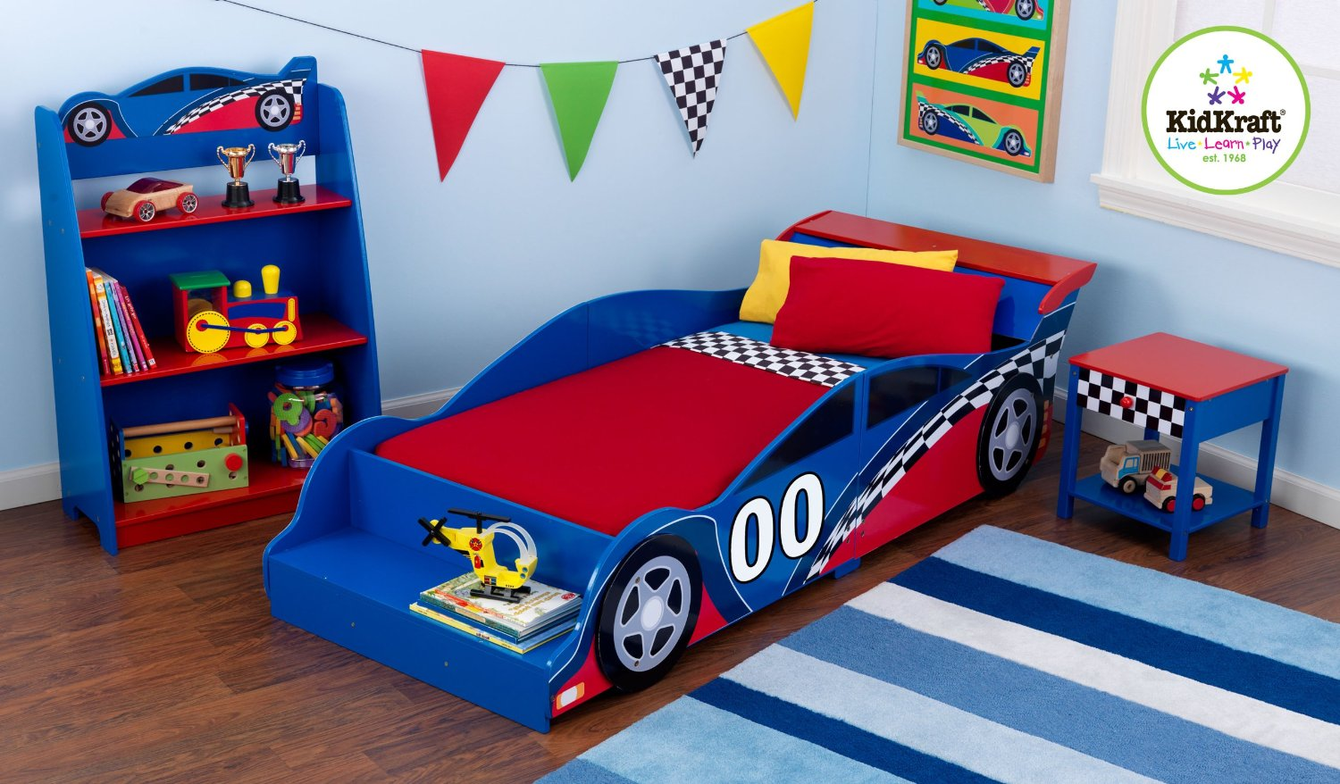 Build Imaginative Bedroom Ideas With Race Car Beds For