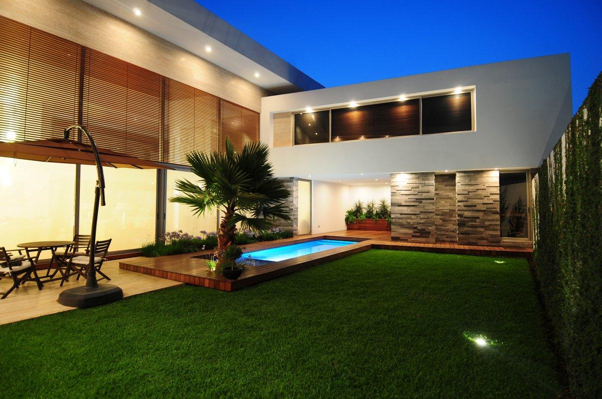 Contemporary Home Design and Floor Plan | HomesFeed