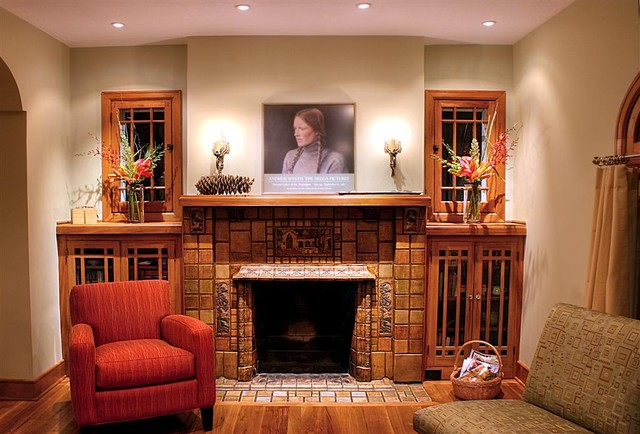 Creative craftsman fireplace design homesfeed for Craftsman style fireplace
