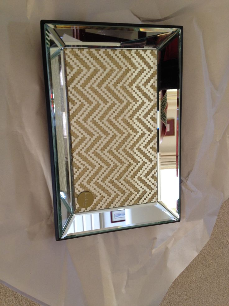 Gentil Gorgeous And Luxurious Stainless Steel Framed Rectangle Wall Mirror Idea  With Chevron Pattern