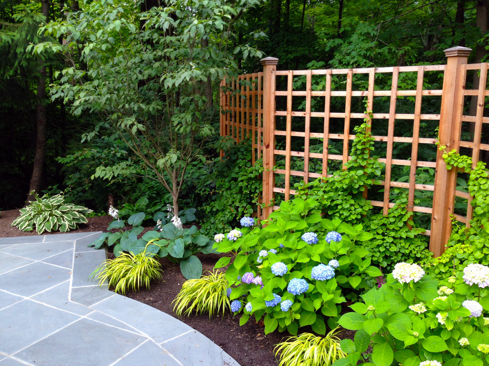 Lattice fence design completes a perfect garden decoration for Outdoor lattice