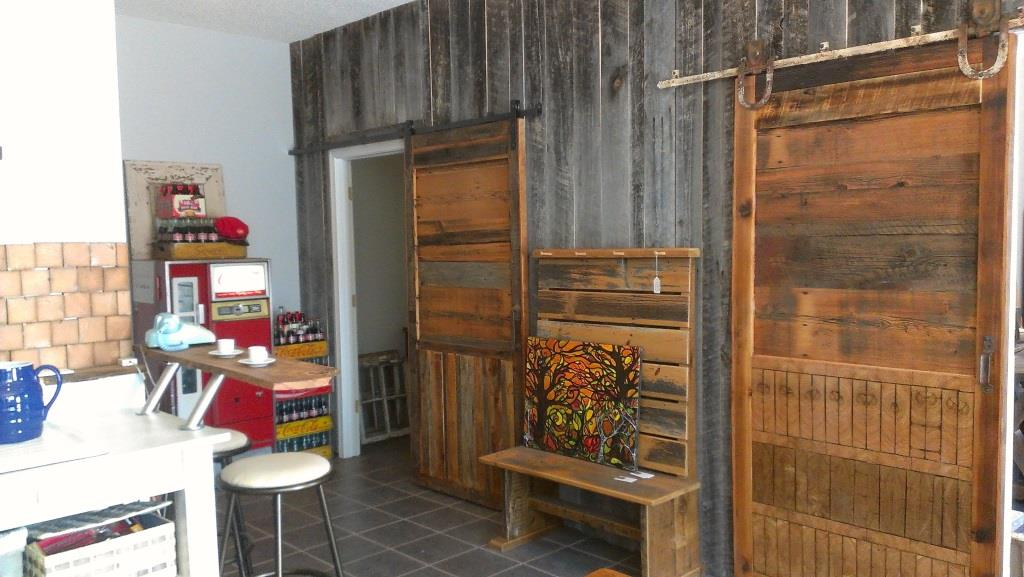 how to make a barn door to bring countryside nuance inside