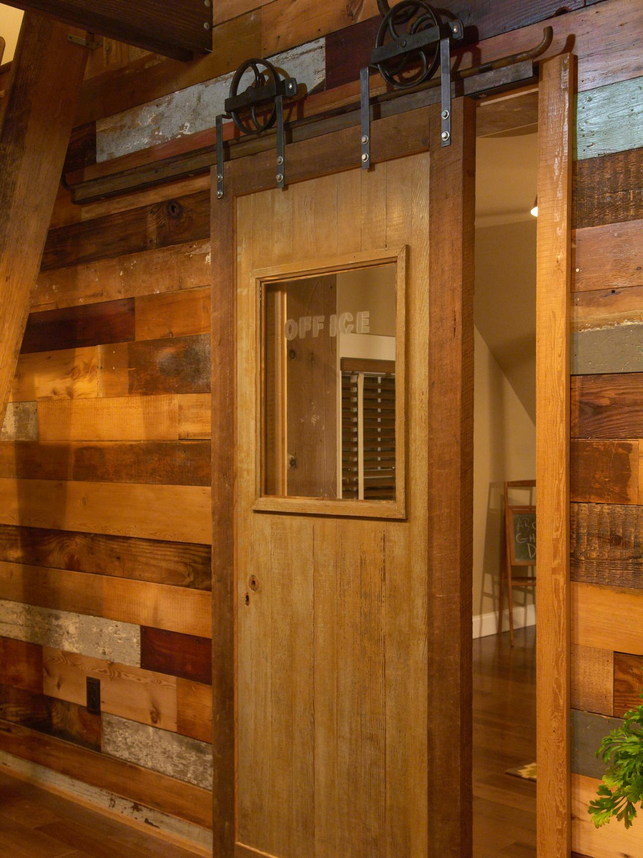How to Make a Barn Door to Bring Countryside Nuance Inside Your Home Interior - HomesFeed