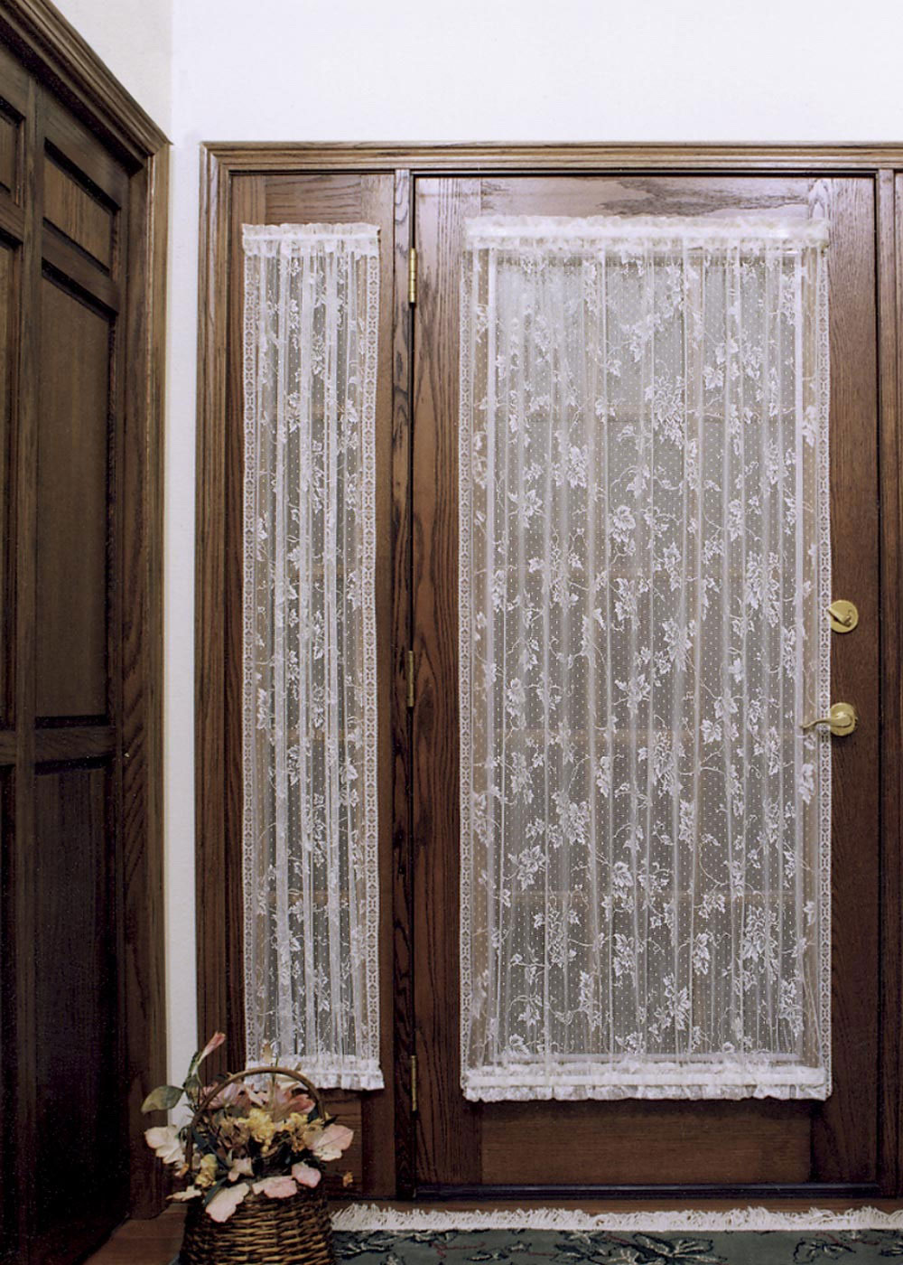 Choose the right window treatment to make your french door for Main door with french window
