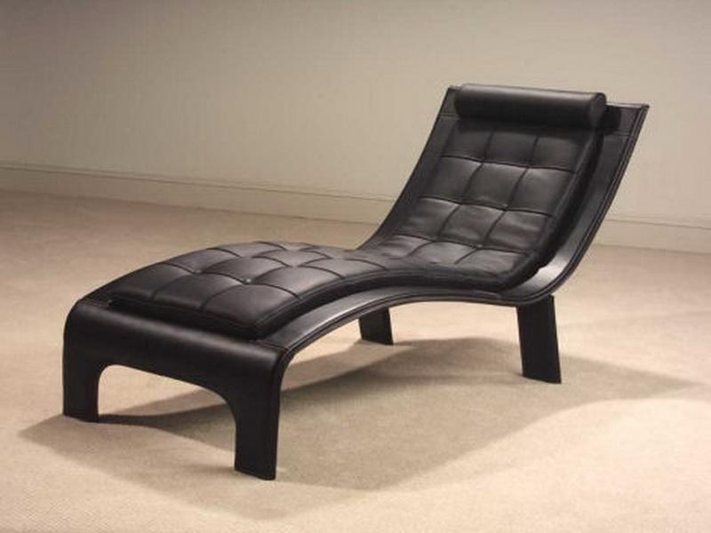 gorgous black leather comfy bedroom chair design in curve style with