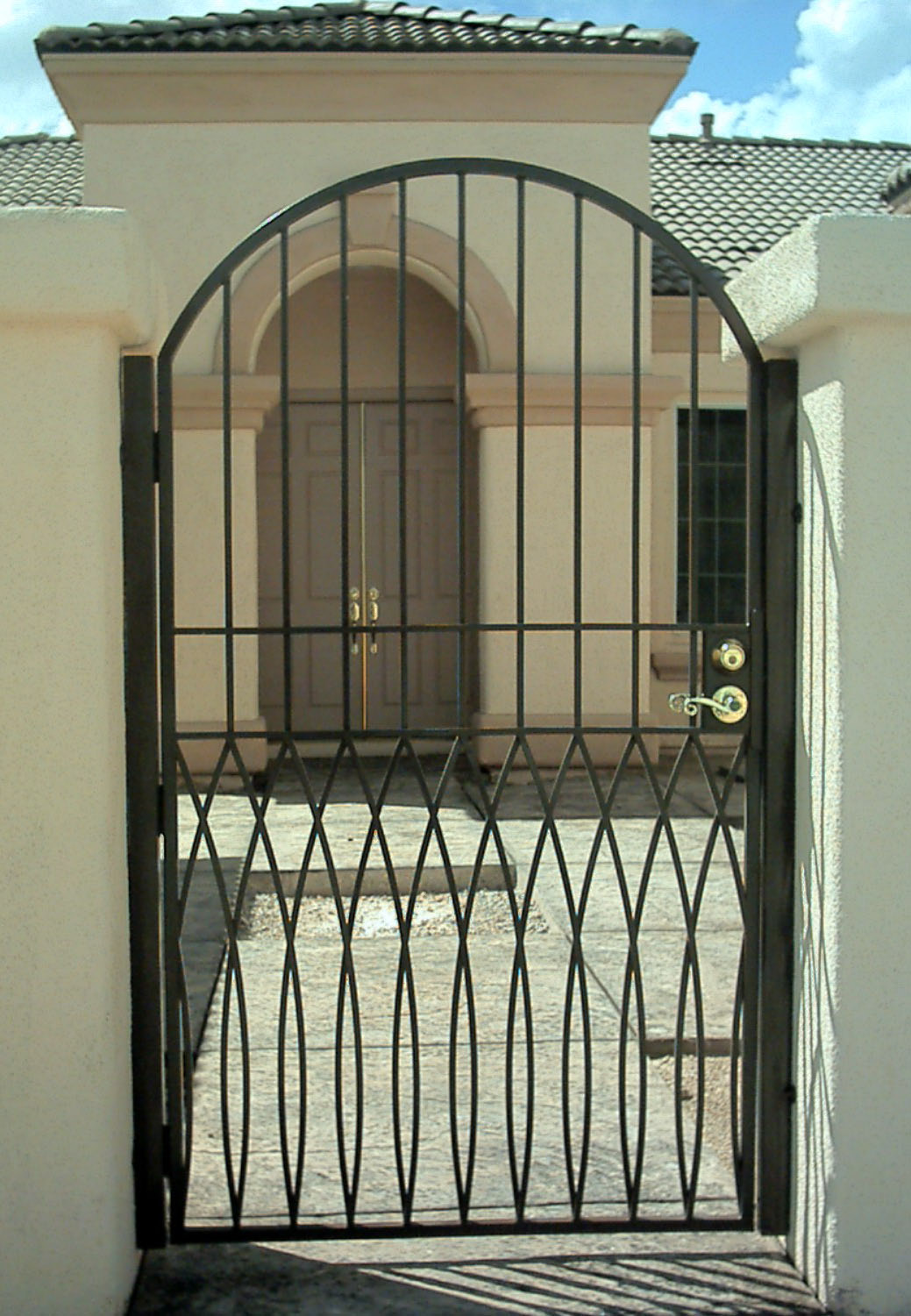 Iron Security Gate For Home With Handle Feature