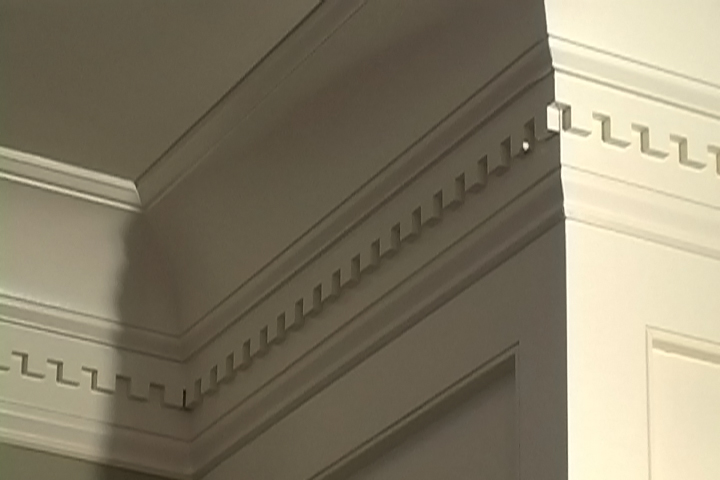 Flat Crown Molding Adds Audacious Luxury For Every Corner Of Feature Homesfeed