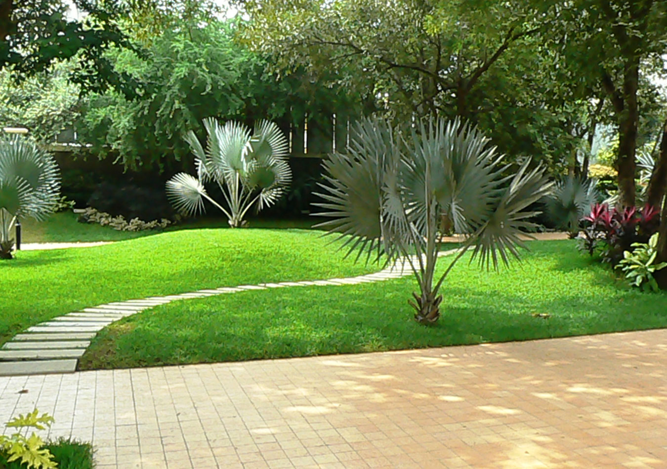 Outdoor Landscaping Ideas Of Better Homes And Gardens Landscape Styles Homesfeed